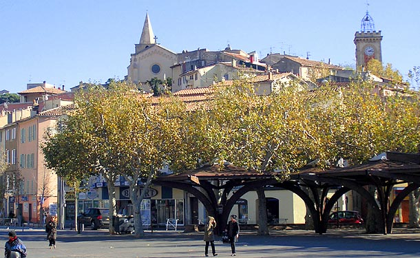 Aubagne Village Du Pays DAix En Provence