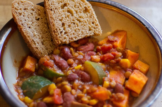 The Best Slow Cooker Vegetarian Chili