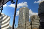 Reflexo dos predíos de Montreal