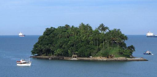Ilha no litoral paulista