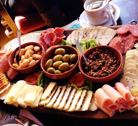 Tabua de queijos em Posta de Las Cabras