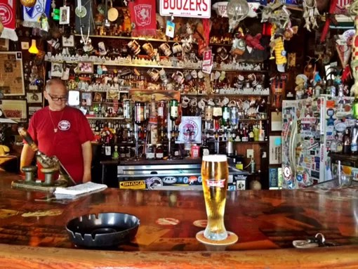 Balcão do Charlie`s  Bar
