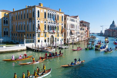 Carnaval Veneza gondola