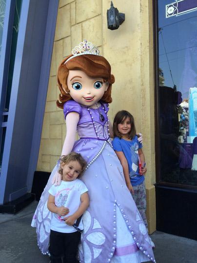 Sophia com as meninas