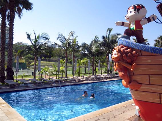piscina monica