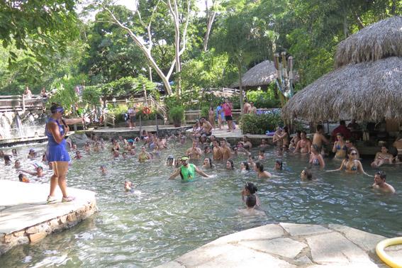 Parque das Fontes Monitores piscina