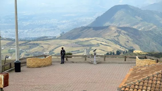 Área para ver Quito de cima da montanha