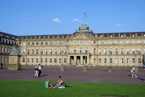 Neues Schloss Palácio Novo de StuttgartNeues Schloss Palácio Novo de Stuttgart