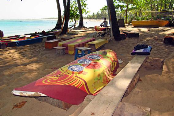 mesa-na-praia