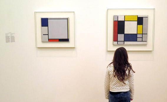 Amsterdam com criança Stedelijk Museum