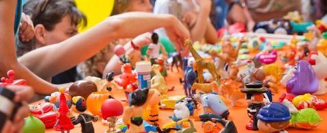 feira de troca de brinquedos