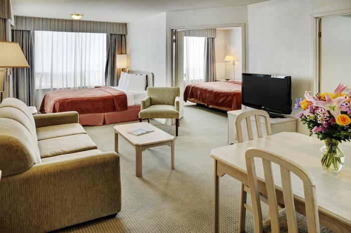 Quality Suites Toronto Airport Hotel