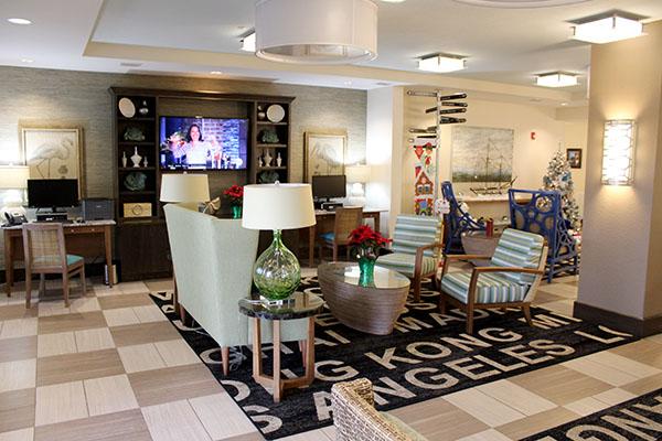 O lobby do TRYP by Wyndham Sebastian St. Augustine