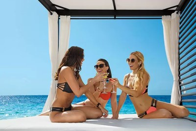 Festa Breathless-Riviera-Cancun