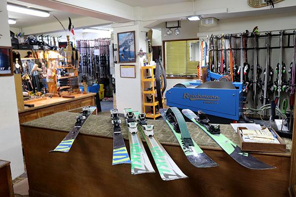 Manutencao de equipamento de esqui