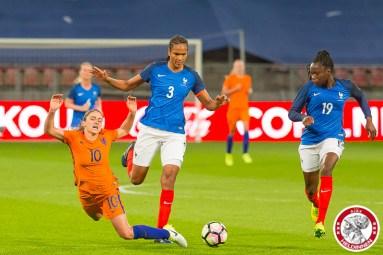 07-04-2017: Voetbal: Vrouwen Nederland v Frankrijk: Utrecht