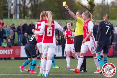 28-04-2017: Voetbal: Vrouwen Ajax v PSV: Amsterdam gele kaart Davina Philtjens of Ajax
