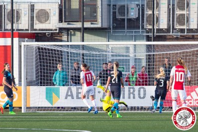 2017-04-28 Ajax vrouwen - PSV- 00012