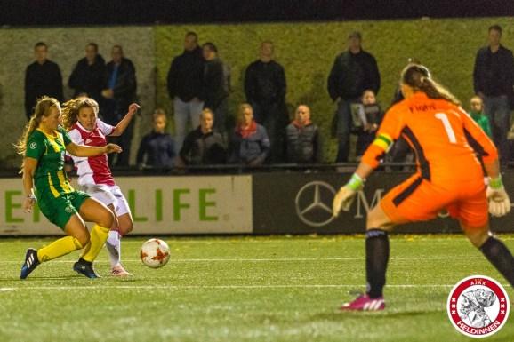 2017-09-22 Ajax vrouwen - Ado den Haag- 00011