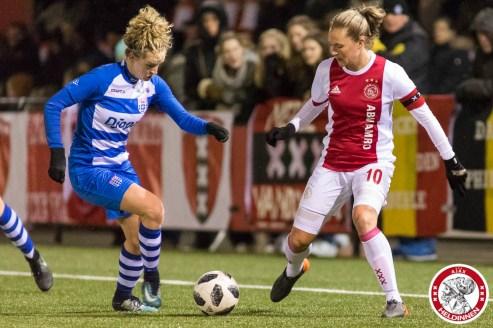 16-03-2018: Voetbal: Vrouwen Ajax v PEC Zwolle: Amsterdam Sportpark de Toekomst seizoen 2017-2018 L-R Maxime Bennink (of Pec Zwolle), Desiree van Lunteren of Ajax