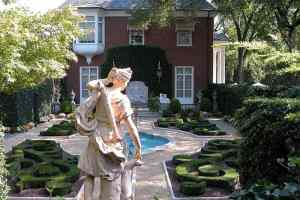 March at Hillwood