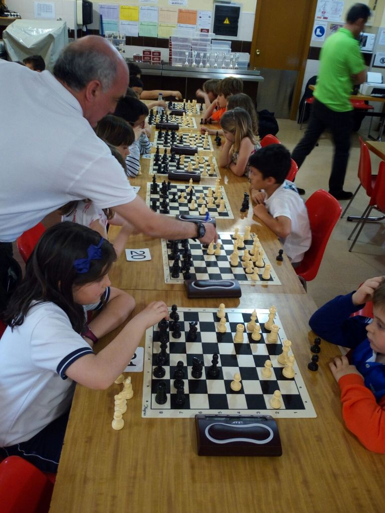 Torneo infantil de ajedrez escolar en Maristas