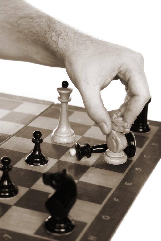 ¿Sabes jugar al ajedrez, papá?