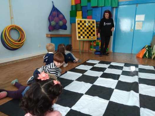 Me muevo, juego y aprendo con el Ajedrez