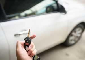 Auton valinnassa korostuvat edelleen hinta ja merkki, mutta vihreys nousee jo vahvasti