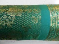 Kissen in emerald (achica.de)