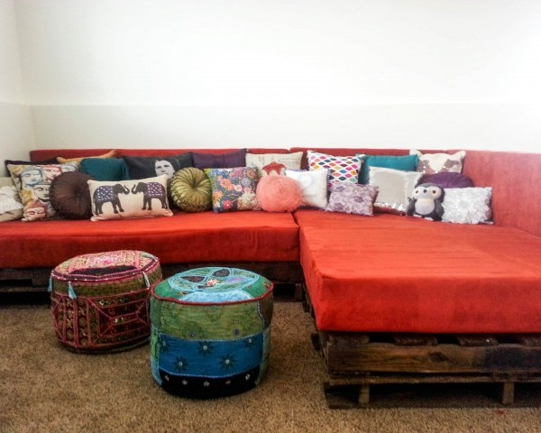 DIY Shipping Pallet Couch