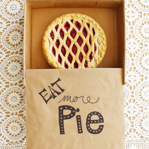 DIY Cardboard Pie Box