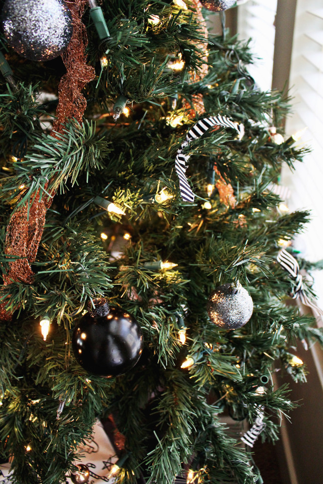 DIY Copper Christmas Decor | A Joyful Riot #ajoyfulriot
