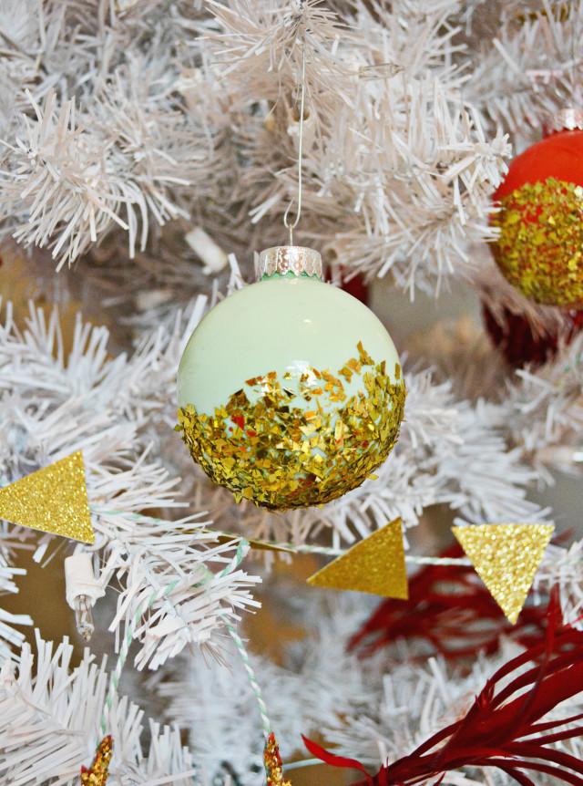 glitter ornament2