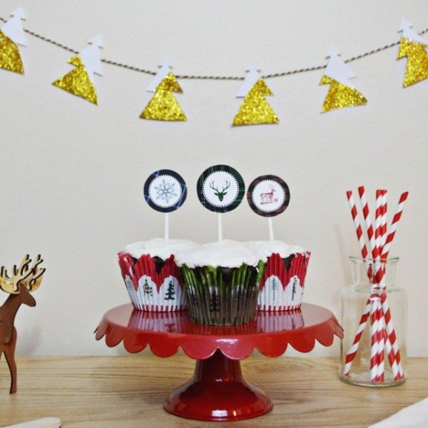 Plaid Christmas Cupcake Picks | Free Printable Friday