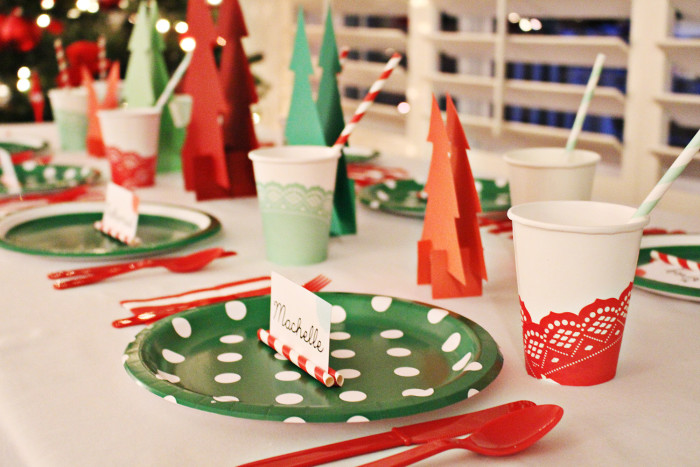 A dinner party with all disposable items, keeps your Christmas Eve simple! A Joyful Riot