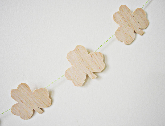 Wood Shamrock Garland | A Joyful Riot @ajoyfulriot