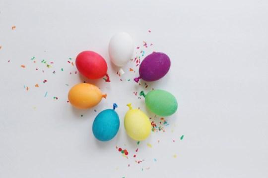 easter eggs that look like balloons! | A Joyful Riot