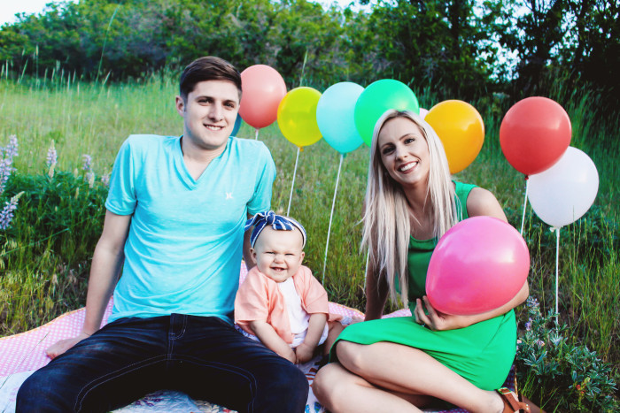 Bright and colorful balloon themed birthday family photo shoot on A Joyful Riot