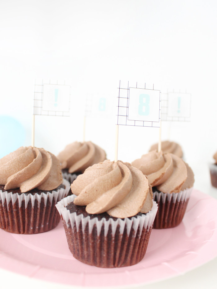 Use address labels as easy cupcake toppers | A Joyful Riot