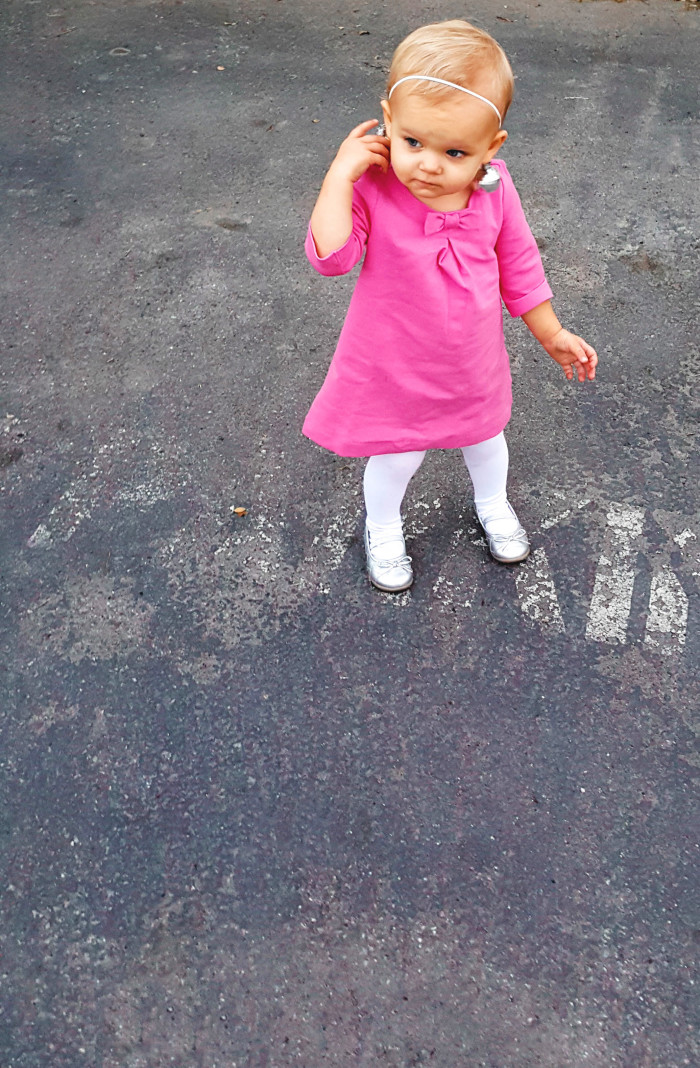 Toddler Twiggy costume, perfect for your lttle ones with a baby amound of hair ajoyfulriot.com @ajoyfulriot-6