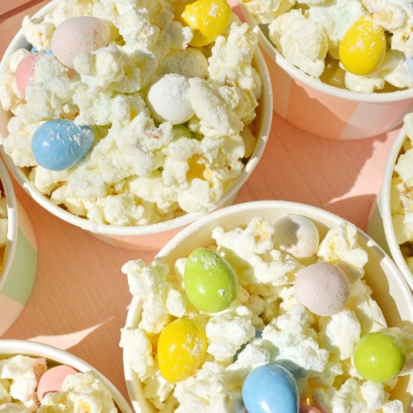 Pistachio Easter Candy Popcorn Mix