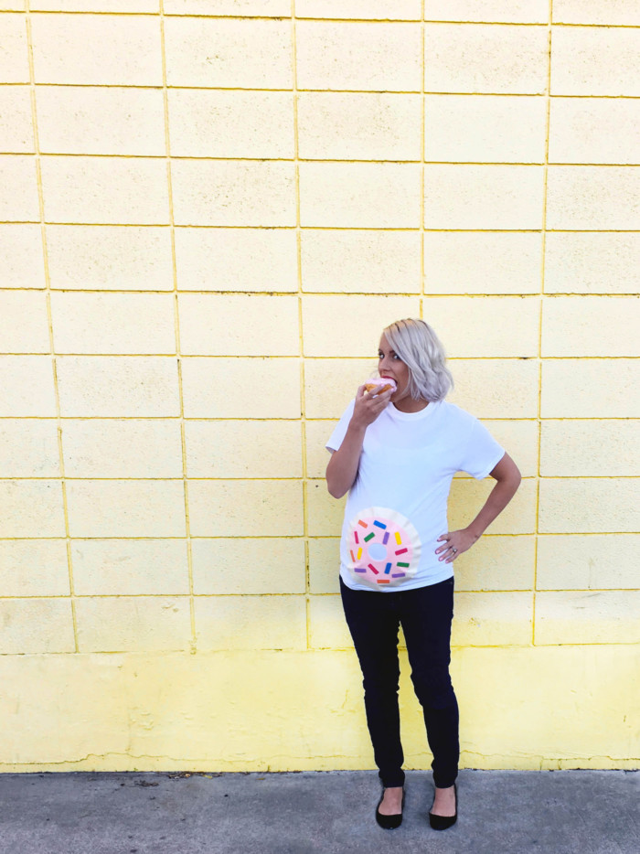 d6ce6aac0 DIY donut belly easy maternity costume. Just a shirt and felt. Free  templates in