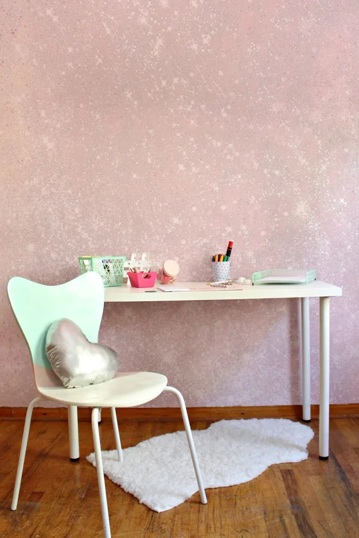 Cover your wall in glitter by Paint your own glitter wall by following this easy tutorial! via A Joyful Riot this easy tutorial! via A Joyful Riot