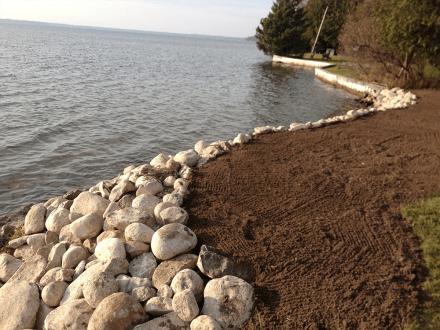 Rock shoreline 4 pic 1