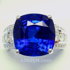 14.70 ct Royal Blue Sapphire and Diamond Ring