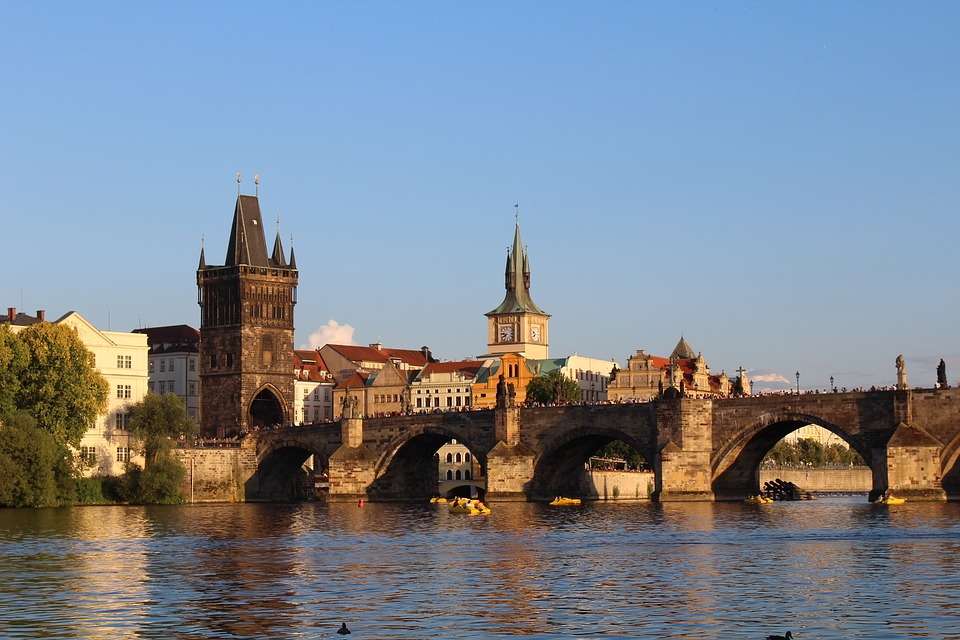 Prague Ultimate travel guide - charles bridge