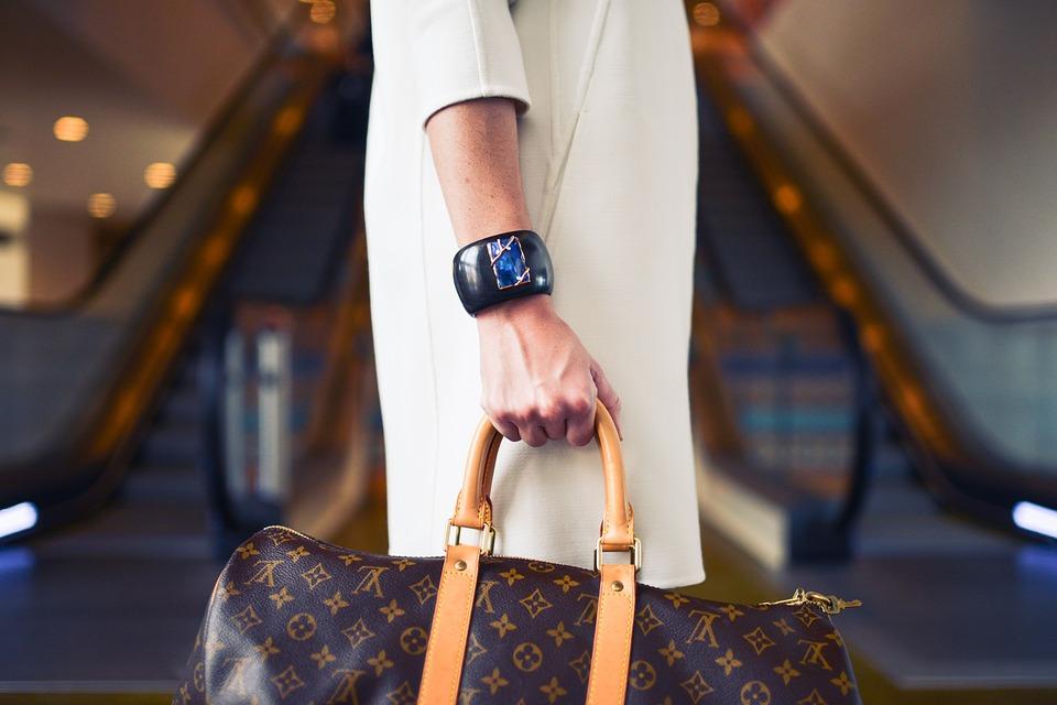 Spot a Fake Louis Vuitton Bag