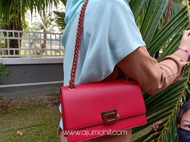 beli beg charles and keith