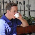 نادلة تؤنب رئيس الوزراء البريطاني وتطالبه بانتظار دوره